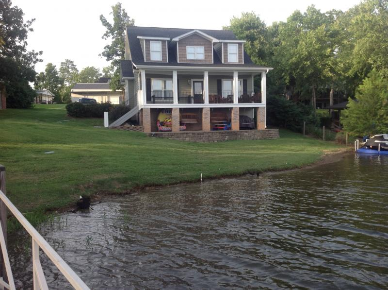 Sutton and sons realty 1815 evelyn street gilbert sc 29054 for 146 garden pond drive lexington sc